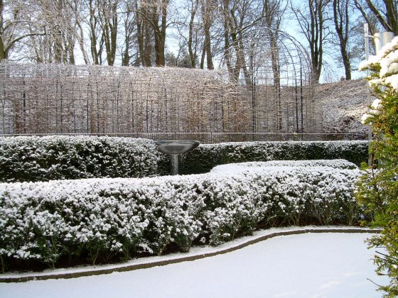 Alnwick-castle- -gardens- 2