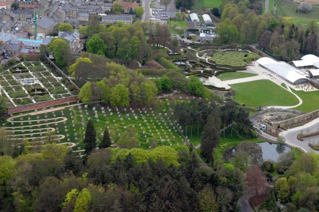 Alnwick-castle- -gardens- 3